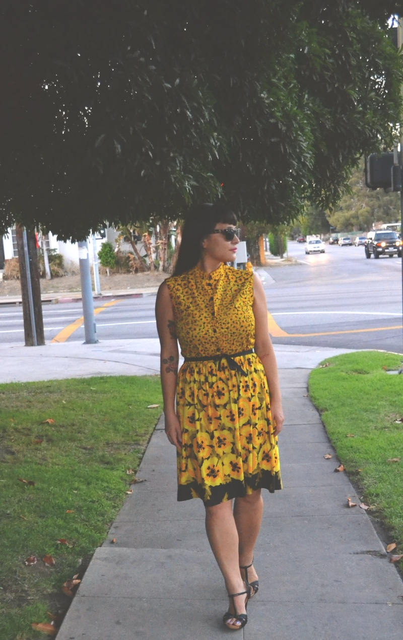 Flower print dress vintage sacony